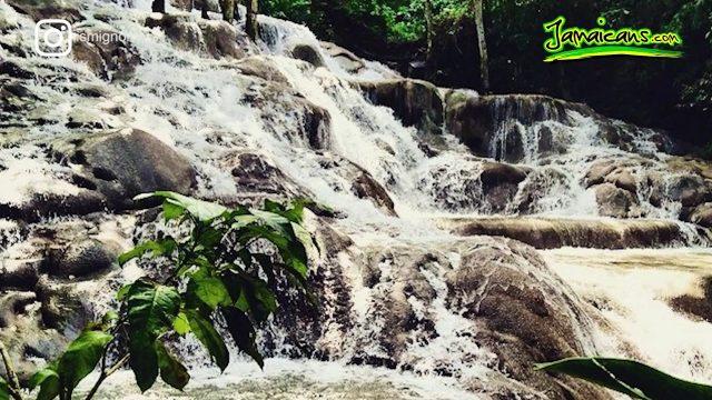9 Breathtaking Photos of Dunn's River Falls